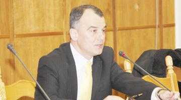 """""""Nu discut candidatura mea la şefia CJ, cât dl. Nicolescu este bolnav"""" 5"""