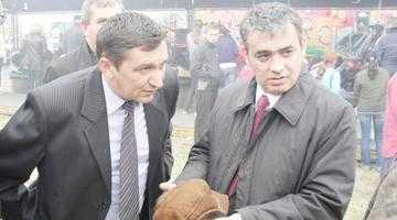 Primarul de Costeşti nu mai răspunde la butoanele senatorului Andrei 5