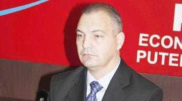 Deputatul Drăghici îi dă pe tavă lui Emil Boc soluţia pentru reducerea preţului benzinei 5
