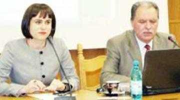 Simona Oprescu, instalată oficial ca vicepreşedinte al Consiliului Judeţean Argeş 5