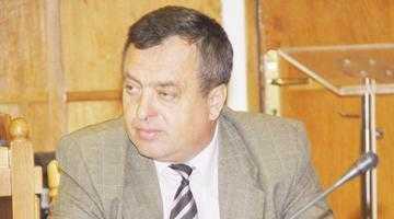 """Dobrinoiu a scăpat de două """"uscături"""" din Direcţia Silvică 4"""
