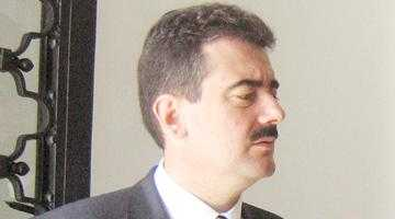 Deputatul Gerea taxează în Parlament slugărnicia lui Calinic 6