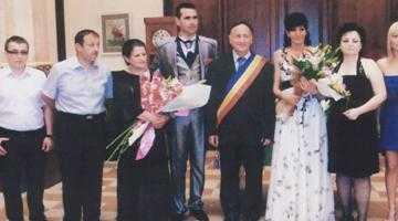 Fostul primar din Băbana, Marin Popescu, omagiat la nunta fiicei sale 5