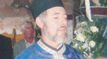 Din cauza stupilor pe care îi ţine în curte, preot acuzat de tentativă de omor 4