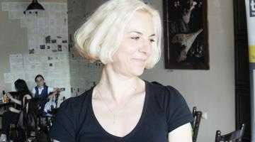 Monica Ramirez, scriitoarea care a slăbit 70 kg, şi-a aniversat ziua de naştere printr-o multiplă lansare de carte 3