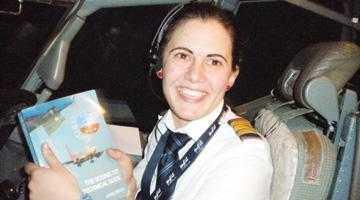 O piteşteancă este cel mai tânăr pilot de Boeing 737 6