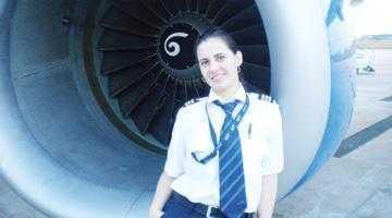O piteşteancă este cel mai tânăr pilot de Boeing 737 5