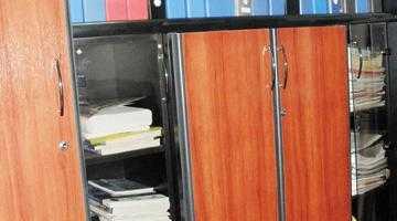 Microfoane în biroul primarului din Bascov 4