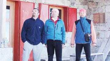 Trei salvamontişti argeşeni au escaladat Anzii Cordilieri 6