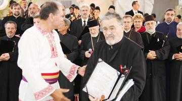 Părintele Marin Drăguşin,  unul dintre cei mai longevivi preoţi din Piteşti 8