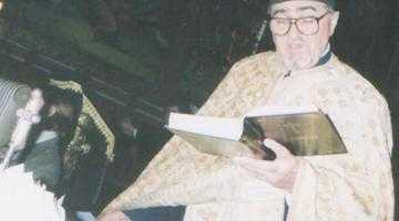 Părintele Marin Drăguşin,  unul dintre cei mai longevivi preoţi din Piteşti 5
