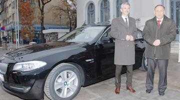 Primarul Pendiuc  se va plimba un an  cu un BMW seria 5 5