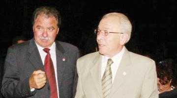 Alături de foştii săi colegi din PSD, Nea Nicu Văcăroiu şi-a sărbătorit onomastica la Victoria 3