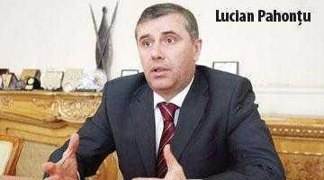Generalii argeşeni ai lui Băsescu au fost avansaţi 3