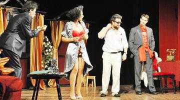 Comedie spumoasă la Teatrul Davila 5
