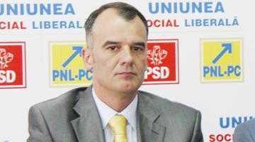 """Ion Popa, preşedintele PNL Argeş: """"Legea Bugetului de stat  pe 2012 - nicio perspectivă  de relansare economică"""" 4"""