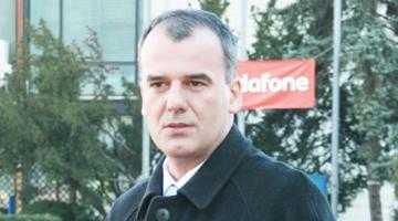 """Ion Popa, preşedinte PNL Argeş: """"Demisia guvernului  Boc este victoria  oamenilor care au  protestat în stradă!"""" 5"""