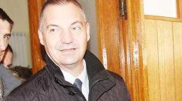Deputatul Drăghici i-a cerut premierului Ungureanu să facă lumină în afacerea bannerelor PDL din Curtea de Argeş 4