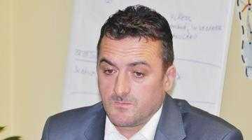 Directorilor PDL li s-au cerut demisiile în alb şi li s-a fixat o normă de 350 voturi pe secţie 11