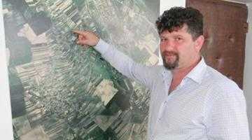 Primarul Florin Frătică a luat  în spaţiu 22 de persoane 4
