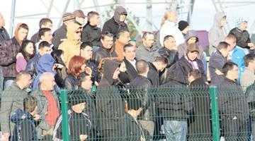 Obligat de şeful PDL Argeş să fie prezent pe stadion, șeful Gărzii Financiare a venit deghizat la meciul FC Argeşului 5