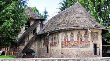 Olari, biserica unicat  în Muntenia prin prezentarea morţii pe perete 6