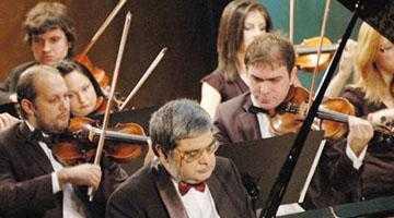 Pianistul Mihai Ungureanu, în recital la Filarmonica Piteşti 4