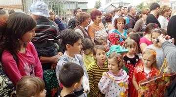 De 1 iunie, cei mai mici locuitori ai Bascovului au primit o grădiniţă nouă 3
