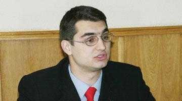 Fiul primarului Boţârcă a făcut aerodrom la Topoloveni 2