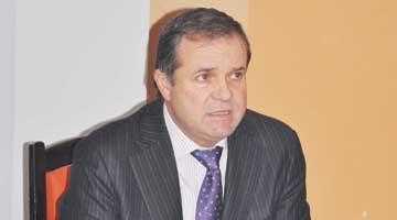 Virgil Dumitru l-a devansat pe Vali Vişoiu în Top 300 2