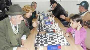 """Concurs de şah, organizat de Asociaţia """"Alfil"""" Piteşti 6"""