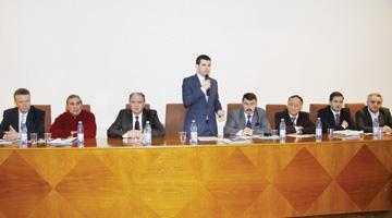 Ministrul Agriculturii, Daniel Constantin,  s-a întâlnit cu fermierii argeşeni la Mărăcineni 6
