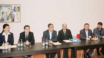 """Senatorul Mircea Andrei:  """"Ce se petrece la Piteşti  cu Petrochimia e un jaf"""" 7"""