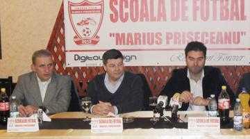 Speriatu lucrează la şcoala de fotbal a lui Marius Priseceanu 4