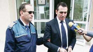 Apărare de comedie. Penescu a dat vina pe gelozia soţiei pentru evidenţierea în contabilitatea PIC a şpăgii pentru primarul Solomon 2
