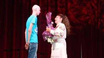 Irina Loghin a cântat gratis pentru a-i salva viaţa lui Cosmin 3