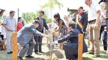 La Călineşti a fost inaugurat primul centru pentru copiii de etnie romă din judeţ 2