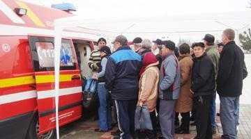 Peste 400 de cetăţeni şi-au testat gratuit glicemia şi tensiunea la Mioveni 5