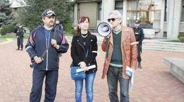 Reprezentanţii salariaţilor disperaţi de la Arpechim au plecat la Bruxelles 7