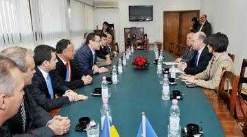 Premierul i-a promis şefului de la Dacia că lucrările la autostrada Sibiu-Piteşti vor începe în 2015 5