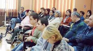 Părinţii copiilor cu handicap fizic din Argeş acuză autorităţile de discriminare 4