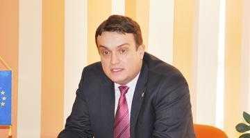 Prefectul Oprescu e sceptic în privinţa eradicării neregulilor din Piaţa Ceair 6