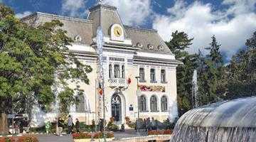 Primăria Pitești dă premii mai consistente decât Ministerul Educației la cele trei olimpiade naționale găzduite în această lună 4