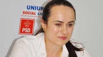 Deputata Simona Bucura Oprescu salută prezenţa a 13 femei pe lista USD la europarlamentare 5