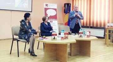 Daniela Zeca-Buzura a lansat trei cărţi la Piteşti 5