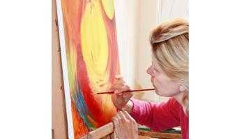 O pictoriţă daneză expune la Biblioteca Judeţeană 6