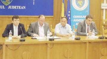 Deşi a promis că DAAV Argeş-Vedea nu se mută la Giurgiu, șeful Apelor Române n-a convins în conferinţa de presă ţinută la Prefectură 4