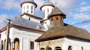 Biserica din Corbi, lăcaş de cult construit în timpul şi după cel de-al Doilea Război Mondial 5
