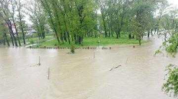 De câte ori trebuie inundat Parcul Lunca Argeșului pentru a se lua măsuri? 5
