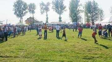 """Peste 10.000 de persoane au fost prezente la festivalul de folclor """"Hora ca la Bârla"""" 6"""